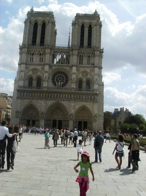 Latinus online the Notre Dame Cathedral in Paris
